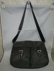 【PRADA】 プラダ 茶色のショルダーバッグが 色あせ・緑色に変色で、染め直しのご依頼です。