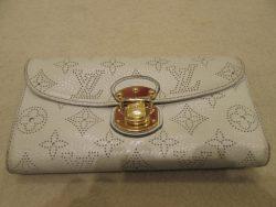【LOUIS VUITTON】 ルイ・ヴィトン ポルトフォイユ・イリス 財布の黄ばみ・黒ずみの染め直しです。
