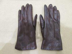 【gloves】 お母様の手袋の修理ご依頼です。