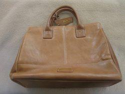 【Reputo】 バッグの中がベタベタで内袋交換のご依頼です。