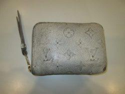 【LOUIS VUITTON】 ルイ・ヴィトン 白い財布のカラーチェンジです。
