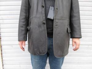 【シーズン前の準備】革ジャケット 袖丈調整 ボタン補修