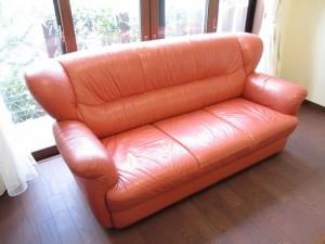 【sofa】応接セットのソファにスレ傷、ヒビ割れが発生し補修のご依頼です。