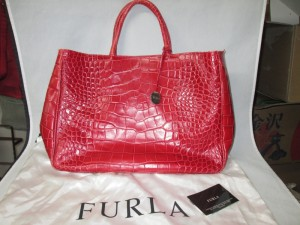 【FURLA】フルラ トートバッグ スレ傷、色褪せで染め直しのご依頼です。