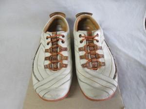 【leather sneaker】レザースニーカー  スレ傷 補修のご依頼です。