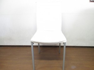 【DINING CHAIR】本革 ダイニング・チェア 銀面劣化 ひび割れ 補修
