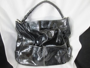 【enamel bag】エナメル・バッグ 持ち手の縫製解れ、汚れクリーニングのご依頼。