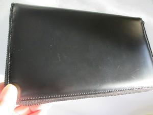 【COMME des GARCONS】コム デ ギャルソン 財布 スーパーの鮮魚パックが引っ付いて透明なシミが出来ました。
