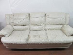 【Leather world】レザーワールド・ソファ  経年劣化によるスレ傷・ホツレの補修ご依頼。